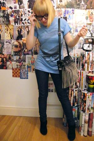 Zara t-shirt - denim jeans - claries glasses - zara bag accessories - Bershka sh