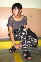 gray mphosis shirt - black glasnost leggings - black Trunkshow shoes