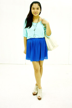 aquamarine Forever 21 top - blue pleated Zara skirt - neutral Cole Vintage clogs