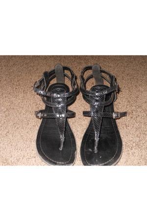 black Mia sandals