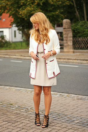 white PERSUNMALL jacket - off white H&M dress - black Zara sandals