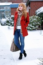 ruby red Peek&Cloppenburg coat - navy skinny Zara jeans