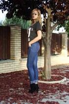 Bershka boots - Terranova jeans - Stradivarius t-shirt