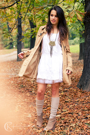 camel trench coat H&M coat - white French Connection dress - camel Bebe wedges