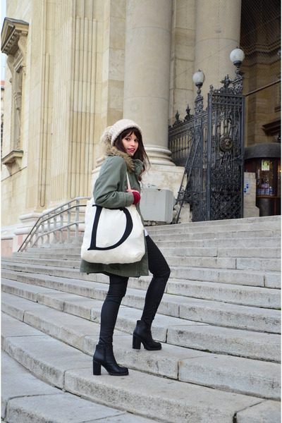 beige tote Atmosphere bag - black ankle boots new look boots