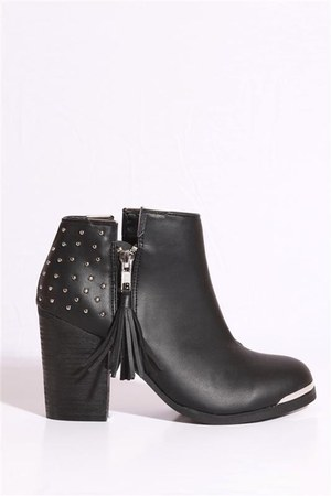 studded Mtng boots