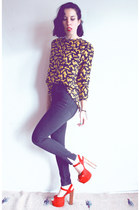 yellow shoes vintage Ferragamo blouse - black vintage jeans