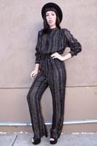 black metallic vintage jumper