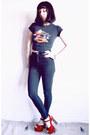 Black-thrifted-jeans-black-harley-davidson-vintage-norma-kamali-t-shirt