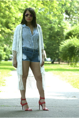 Forever 21 shorts - JCrew top - Akira heels - Zara cardigan