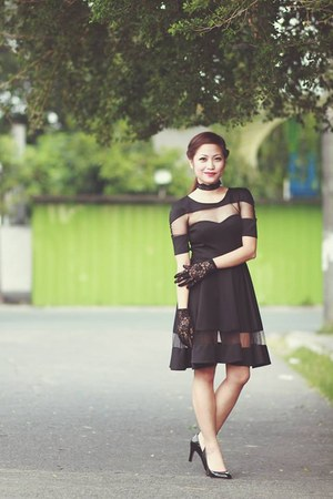 black black apartment 8 dress - black lace no brand gloves