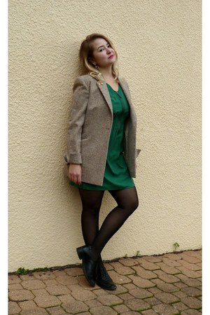 green silk Zara dress - camel Mums blazer