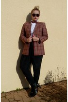 forest green accessories - brick red vintage Lacoste blazer - Chanel sunglasses