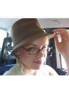 hat - earrings
