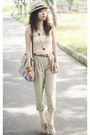 Beige-zara-pants-beige-charles-keith-shoes-pink-saigon-square-market-top-