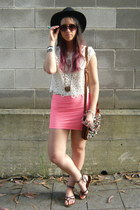 ivory H&M t-shirt - hot pink Bershka skirt