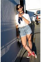 blue Vintage Happy 4th of JULY scarf - white Vintage oversize Eyelet shirt - blu