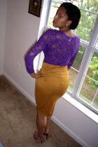 purple shirt - gold skirt