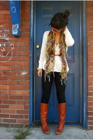 tawny boots - ivory shirt - brown scarf - black pants