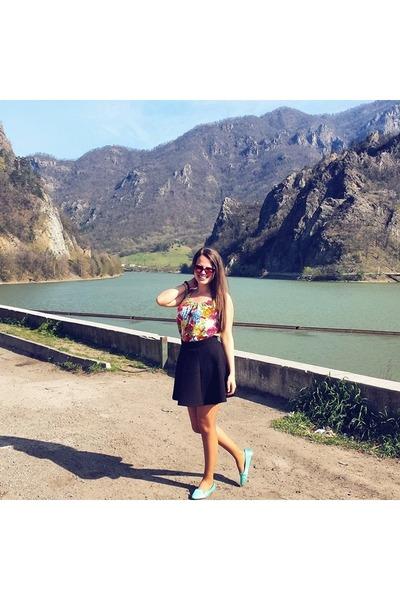 dark brown Topshop sunglasses - black H&M skirt - yellow New Yorker top