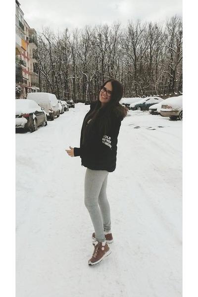 silver H&M leggings - pink shoes - navy H&M vest - dark gray Sheinside blouse