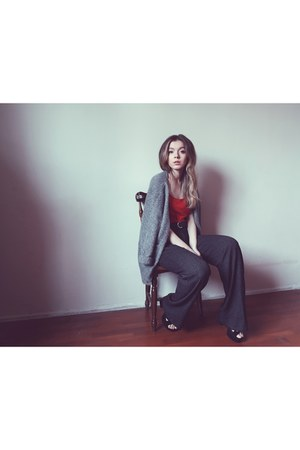 H&M heels - Koton pants - H&M belt - Zara bodysuit - Zara cardigan