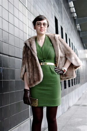 beige vintage from Wasteland coat - green vintage dress - gold vintage belt - br