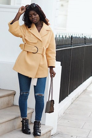 cream belted Mango coat - navy Topshop jeans