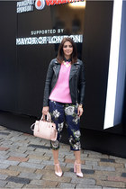 bubble gum Zara jumper - black Forever 21 jacket - light pink Miss Selfridge bag
