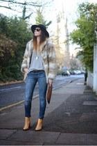 beige H&M coat - camel Zara boots - navy Bershka jeans - black H&M hat