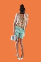 light blue bermuda length H&M shorts - cream longline H&M blazer