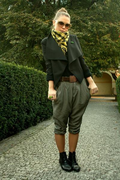 black CKM blazer - green New Yorker pants - black Chelsea Crew shoes - brown DKN