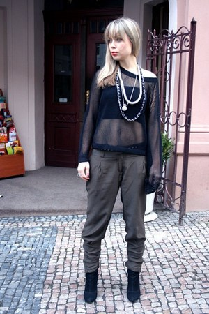 forest green New Yorker pants - black etam boots - black dolce&amp;gabanna coat