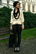 black me too shoes - black skinny kenvelo jeans - beige Exclusive blazer