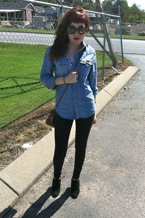 light blue denim shirt shirt - black BDG jeans - brown vintage sunglasses
