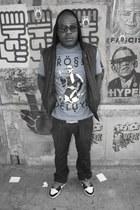 black Levis jeans - turquoise blue Prep Jerks t-shirt - black Levis vest