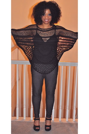 black wedge charles albert shoes - dark gray leggings - black crochet top