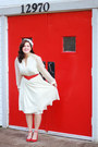 Cream-vintage-dress-red-snakeskin-thrifted-belt-red-modcloth-heels