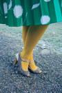 White-target-shirt-yellow-target-tights-turquoise-blue-vintage-skirt
