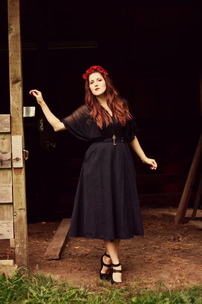 black circle wrap vintage skirt - black Garage Sale shirt
