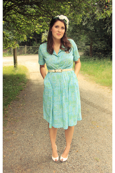 teal vintage dress - white thrifted heels