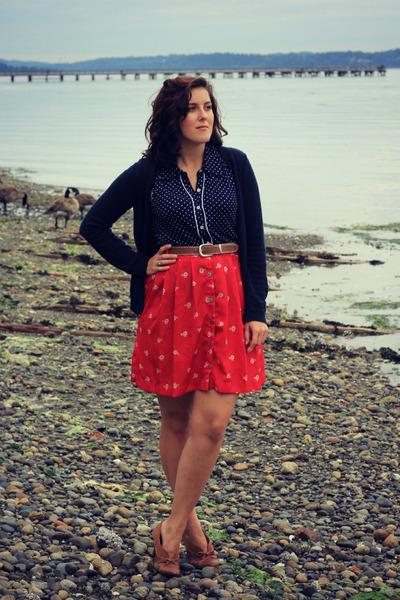red bicycle print Target skirt - brown thrifted heels