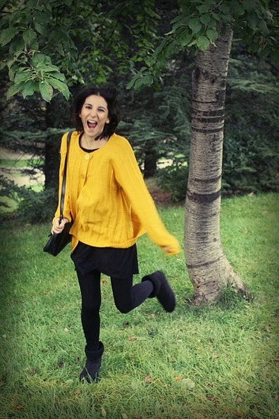 black vintage bag - yellow vintage cardigan - black Bershka dress - black Italia