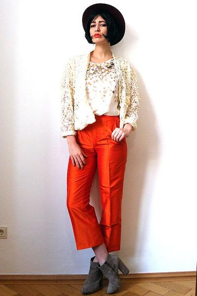 carrot orange vintage pants - camel suede asos boots - ruby red felt vintage hat