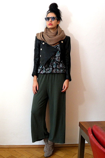 asos boots - chunky knit vintage scarf - vintage top - vintage pants