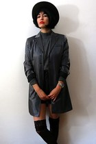 black felt vintage hat - gray vintage blazer