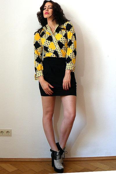 yellow panton print vintage blouse - off white pony leo print asos boots