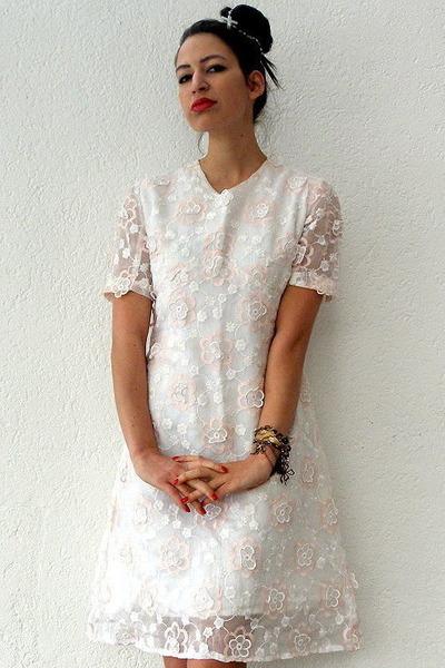 White Vintage Dress Gold Etsy Necklace Bangle Seagal Bracelet Go