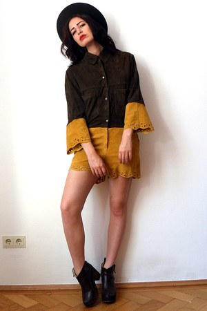 mustard leather vintage shorts - green felt vintage hat