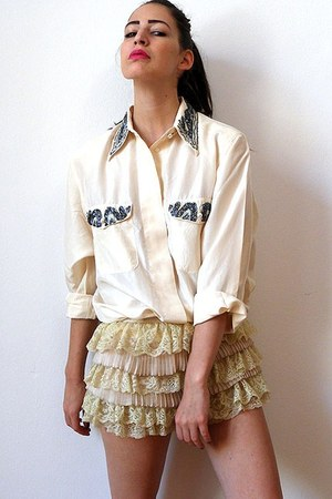 light yellow vintage blouse - eggshell cascading lace vintage shorts